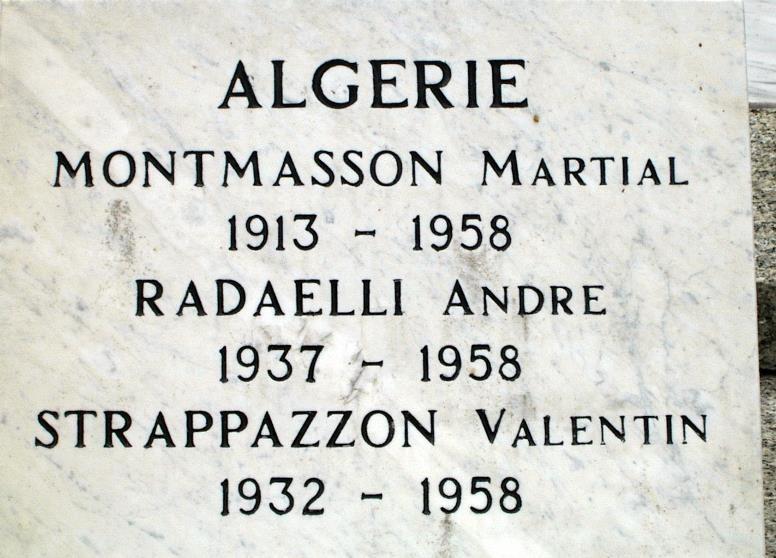 Monument aux morts de Passy : Algérie (cliché Bernard Théry)