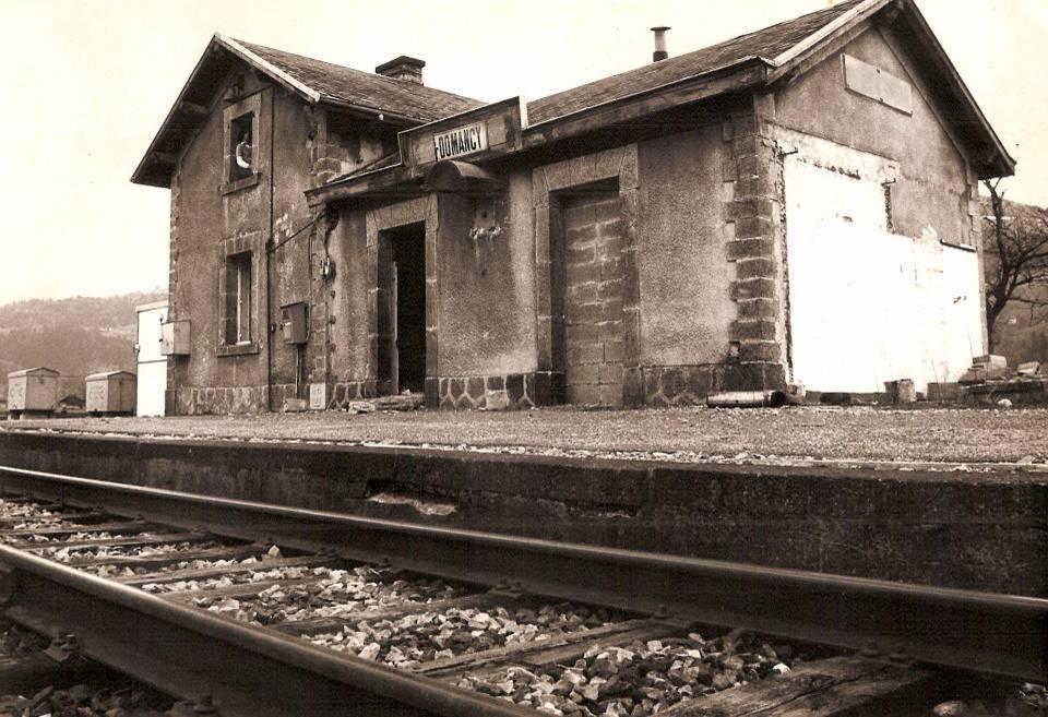 La gare de « Passy-Domancy » devenue gare de « Domancy » ; la gare, désaffectée, est encore debout (cliché Jean-Marie Beligand, coll. Michel Sirop)