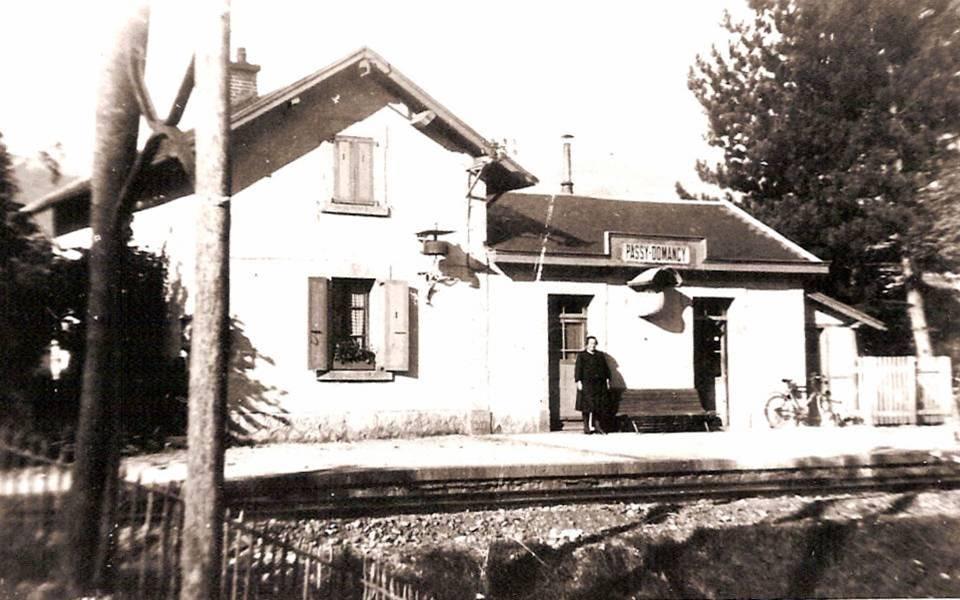 La gare de « Passy-Domancy » vers 1930-1932, côté voie ferrée (Coll. Favre et Michel Sirop)