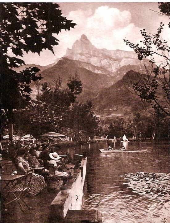 Lac de la Cavettaz aménagé autrefois pour la baignade (Coll. Alain Laugier, P. Dupraz, Traditions et évolution de Passy, p. 12)