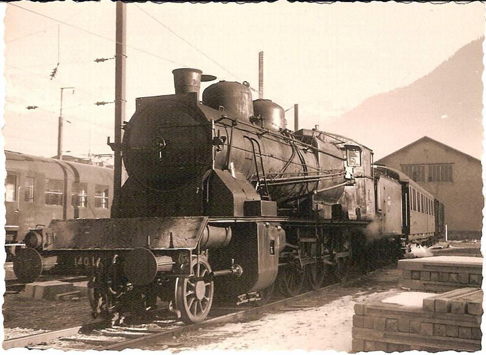 Locomotive de voyageurs 140 L, au Fayet en 1940 (coll. Michel Sirop)