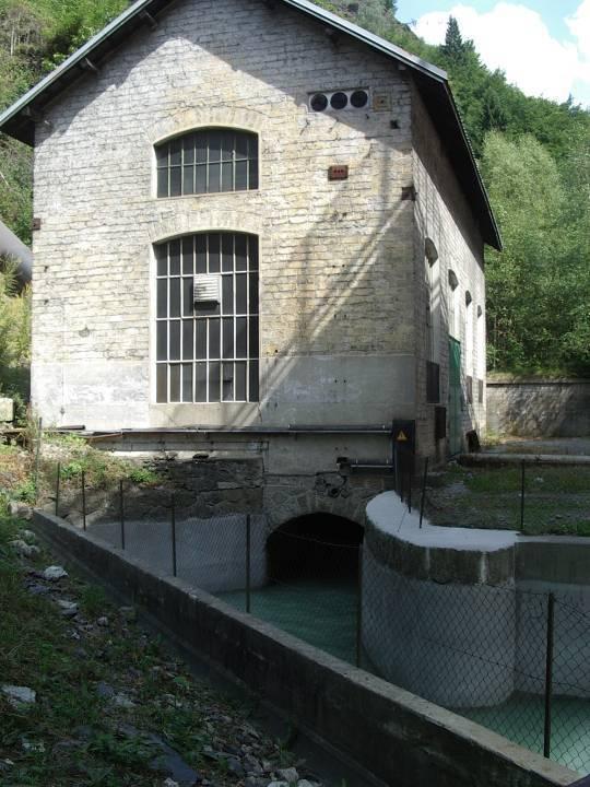 Canal de fuite à la sortie de la centrale de Servoz (cliché Bernard Théry)