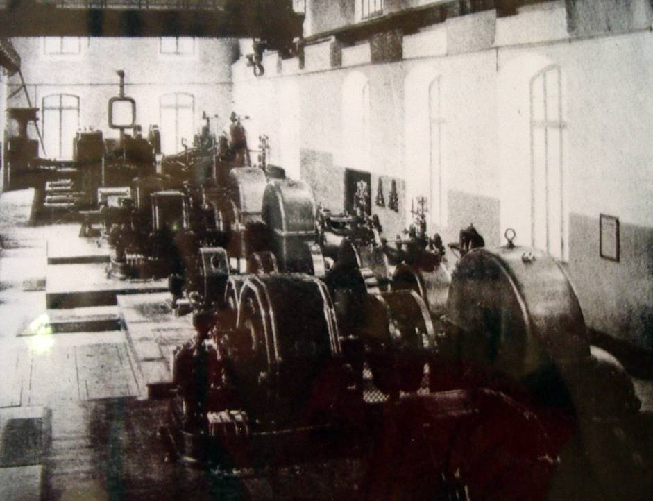 Salle des machines de la centrale des Chavants (Doc. J.P. Roseren)