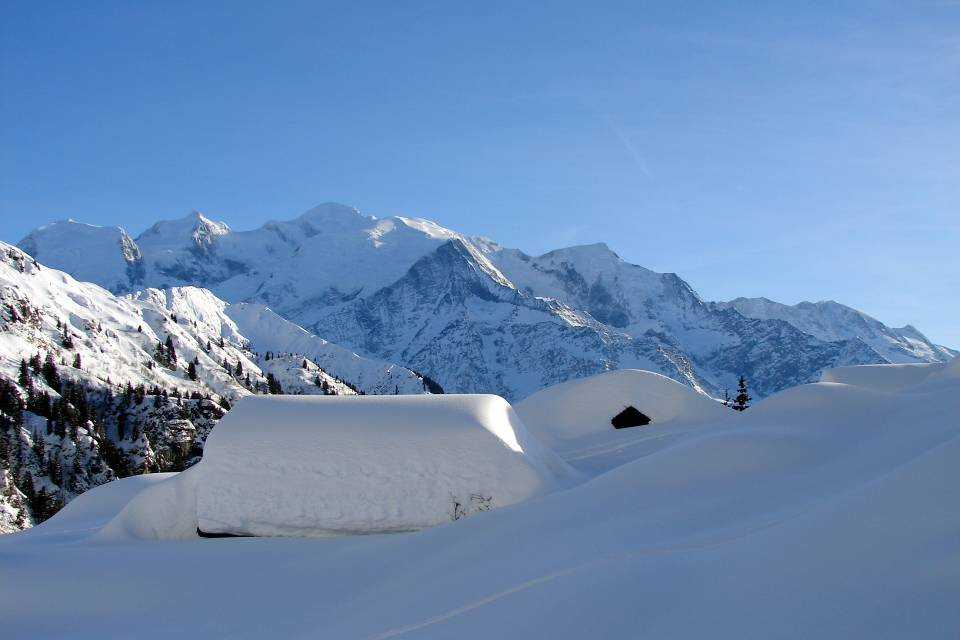 Le Mont-Blanc vu des Ayères, en hiver, à Passy (doc. J .P. Fivel, janvier 2013)