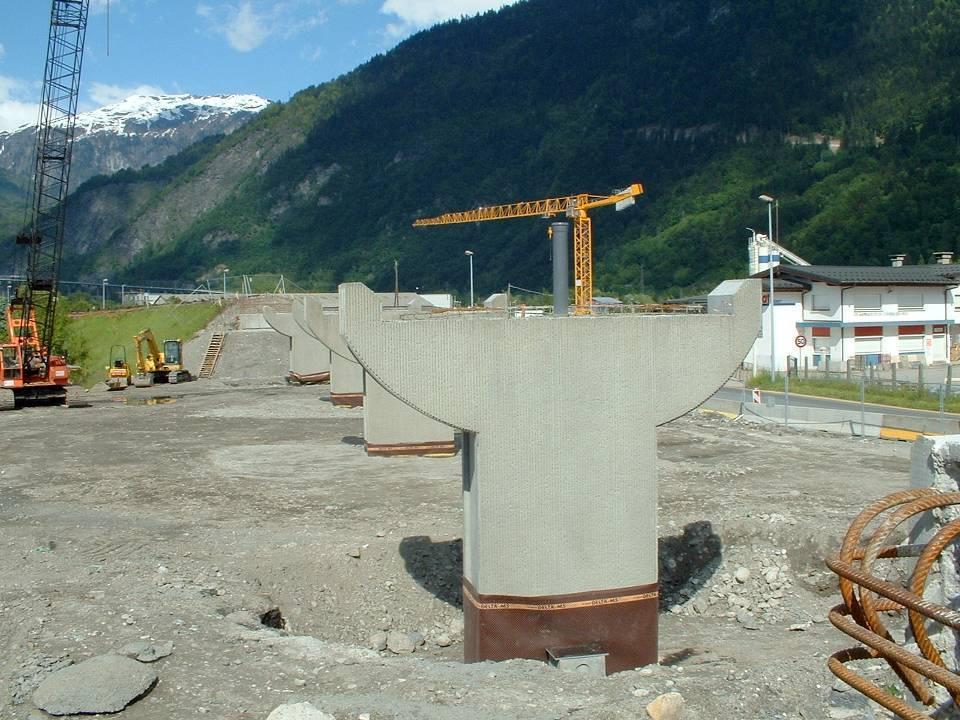 Les piles du futur pont SNCF vues du tablier, 2 juin 2013 (Doc. J. Conti)