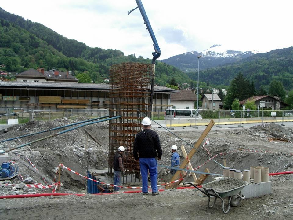 Préparation d'une pile pour le pont de l'Aérodrome (cliché Bernard Théry, 21 mai 2013)