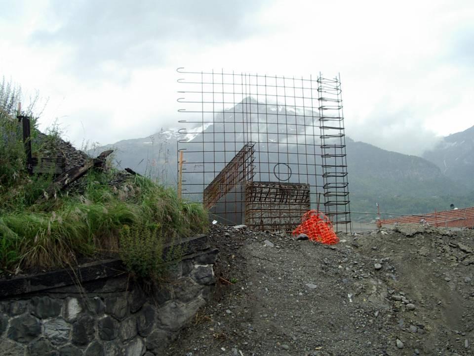 Préparation d'une pile pour le pont de l'Aérodrome (cliché Bernard Théry, 28 mai 2013)