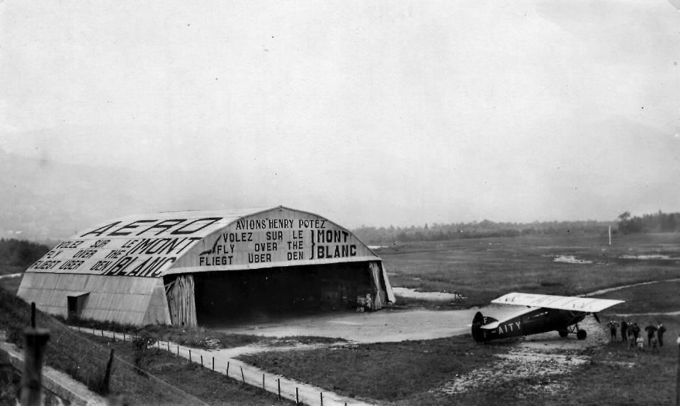 Le hangar de l'aérodrome (Coll. Pierre Dupraz)