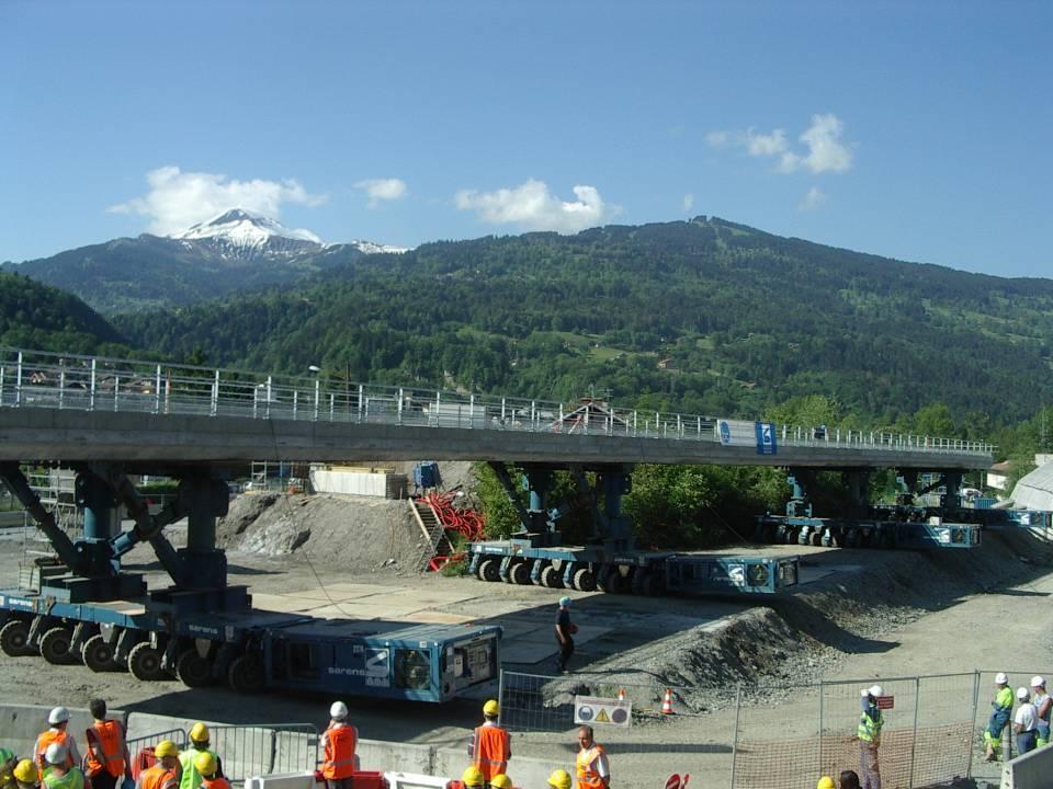 Pose du tablier, pont SNCF de l'Aérodrome, Passy (cliché Bernard Théry)