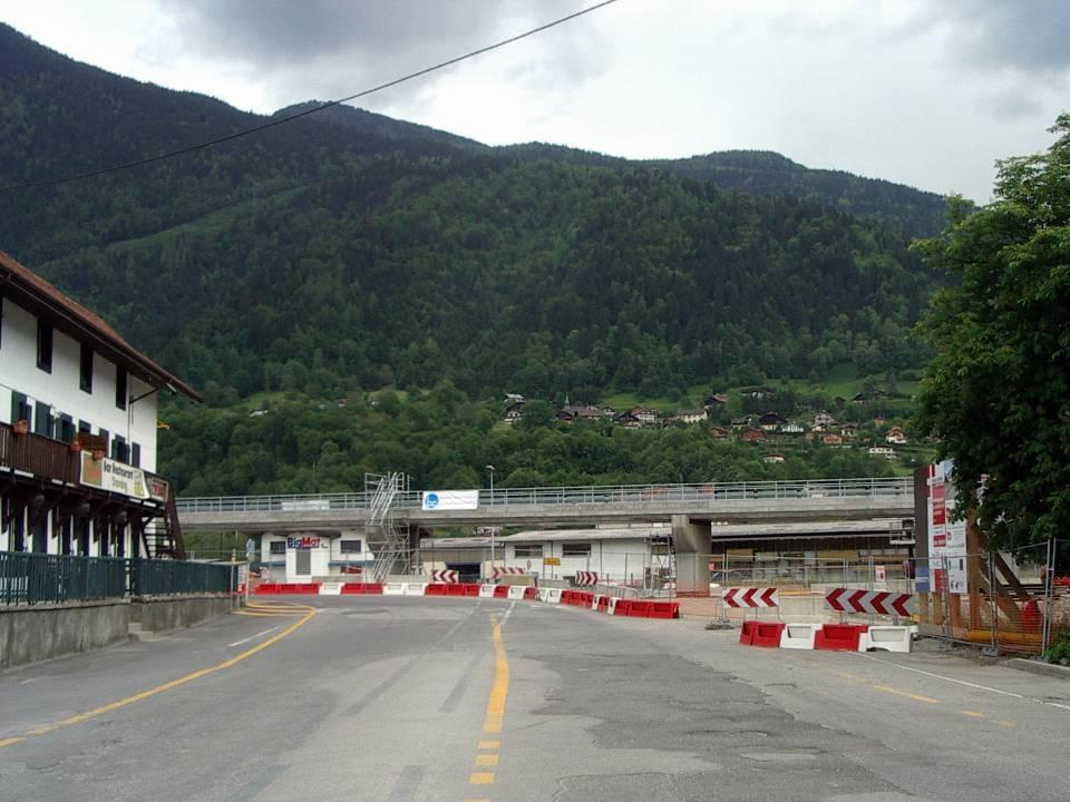 Le tablier, du pont SNCF de l'Aérodrome est en place, Passy (cliché Bernard Théry, 7 juin 2013)