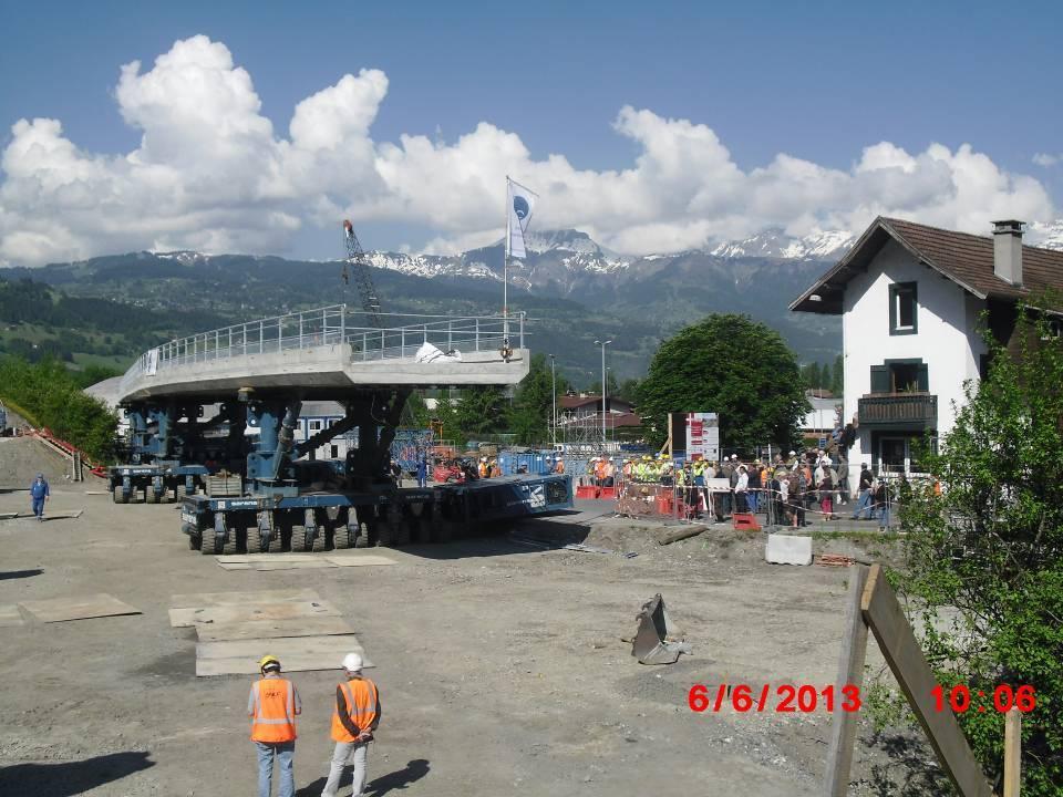 Pose du tablier du pont de l'Aérodrome, vue du ballast côté Chedde (cliché Jean-Pierre Morin)