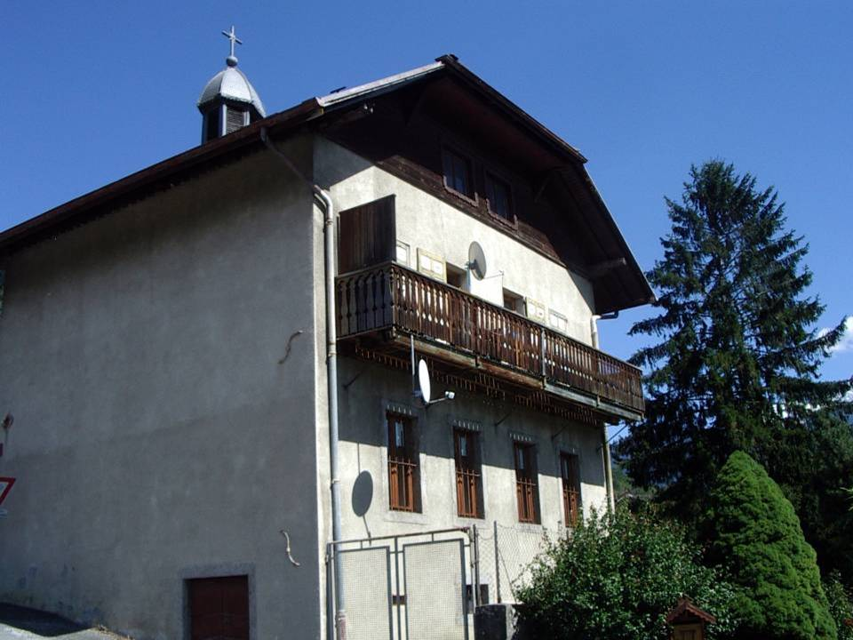 L'école des Ruttets, façade sud (cliché Bernard Théry)