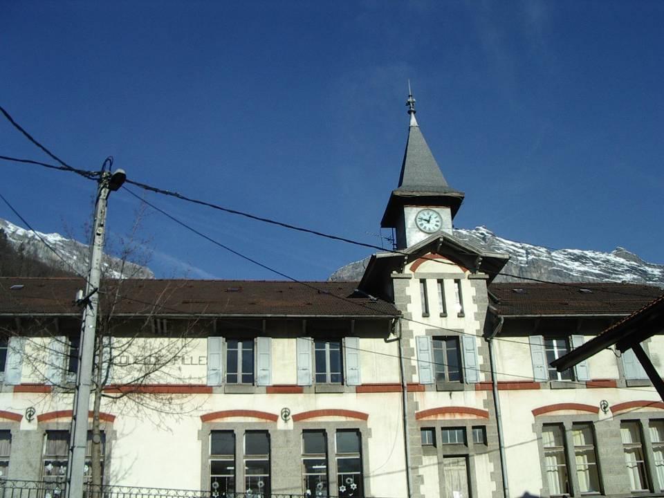 L'école de filles à Chedde le Haut (cliché Bernard Théry)