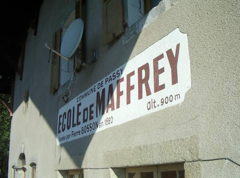 La chapelle-école de Maffrey : fondation Bosson (cliché Bernard Théry)