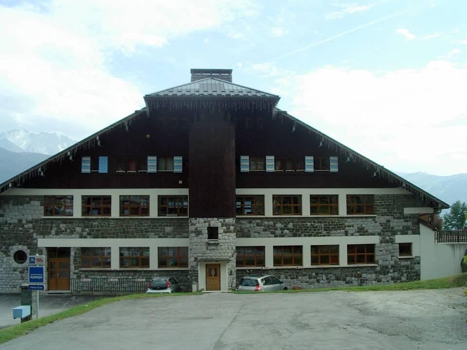 L'école du Plateau d'Assy, façade nord (cliché Bernard Théry)