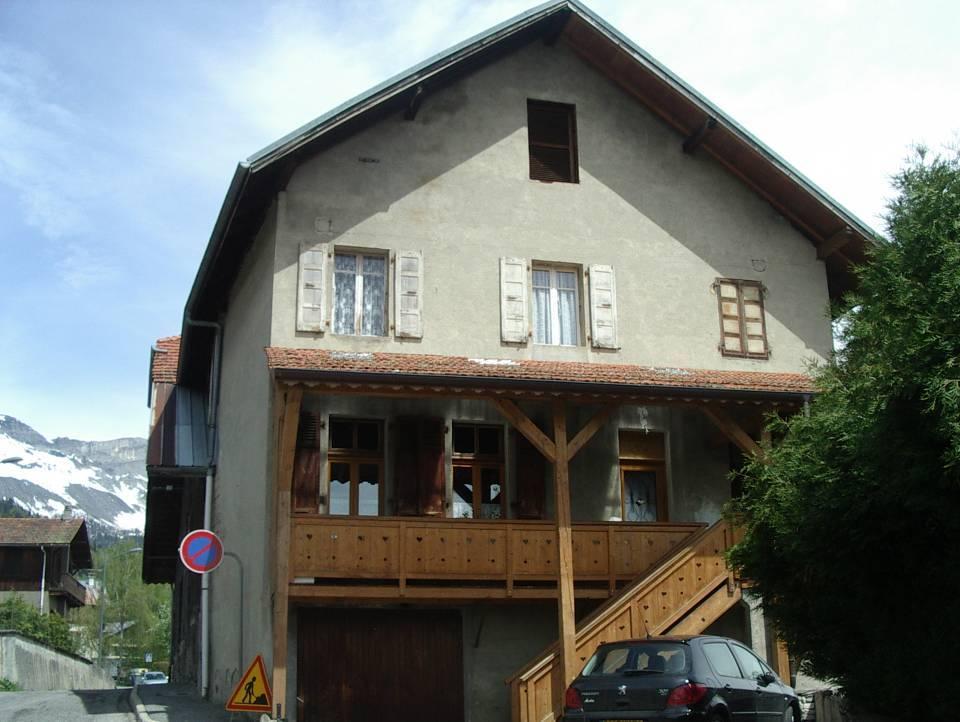 Façade ouest de la ferme-école Devillaz (Cliché Bernard Théry, avec l'aimable autorisation de M. Devillaz)