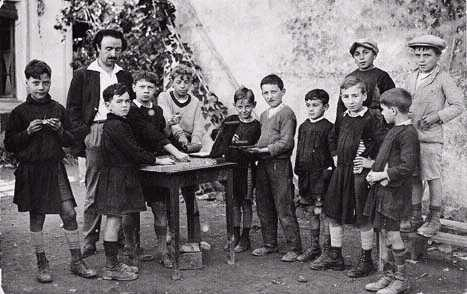 Célestin Freinet et ses élèves (site transprovence)