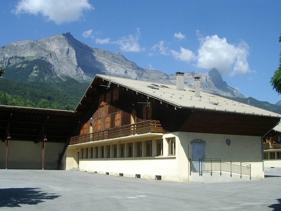 L'école maternelle de la Jonction, Passy, façade ouest (cliché Bernard Théry)