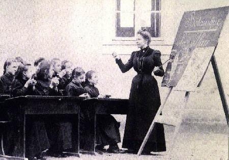 Maîtresse d'école (source Internet)