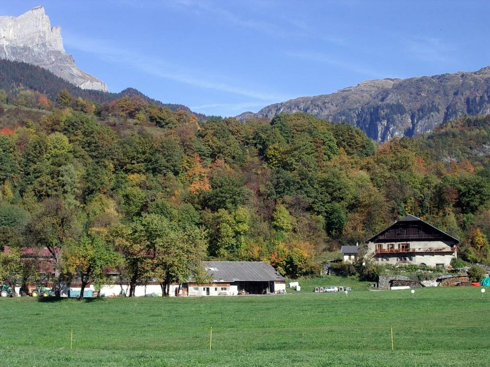 La ferme de la Frasse, à Chedde, en octobre 2013 (cliché Bernard Théry)