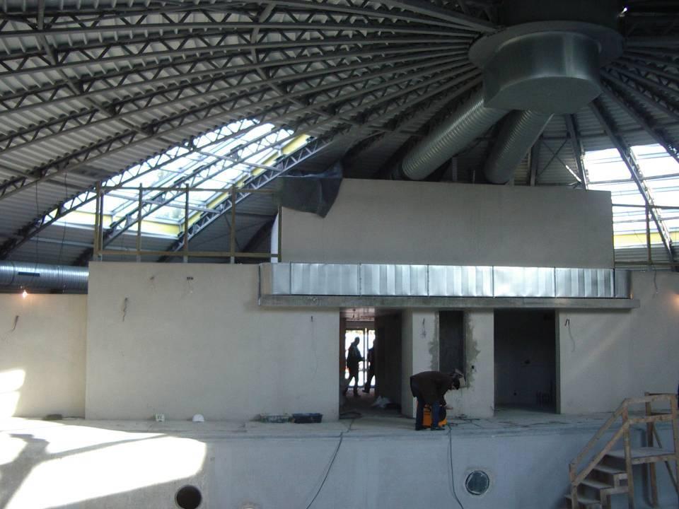 Le chantier de rénovation de la piscine de Passy-Marlioz : l'intérieur (cliché Bernard Théry, 27 novembre 2013)