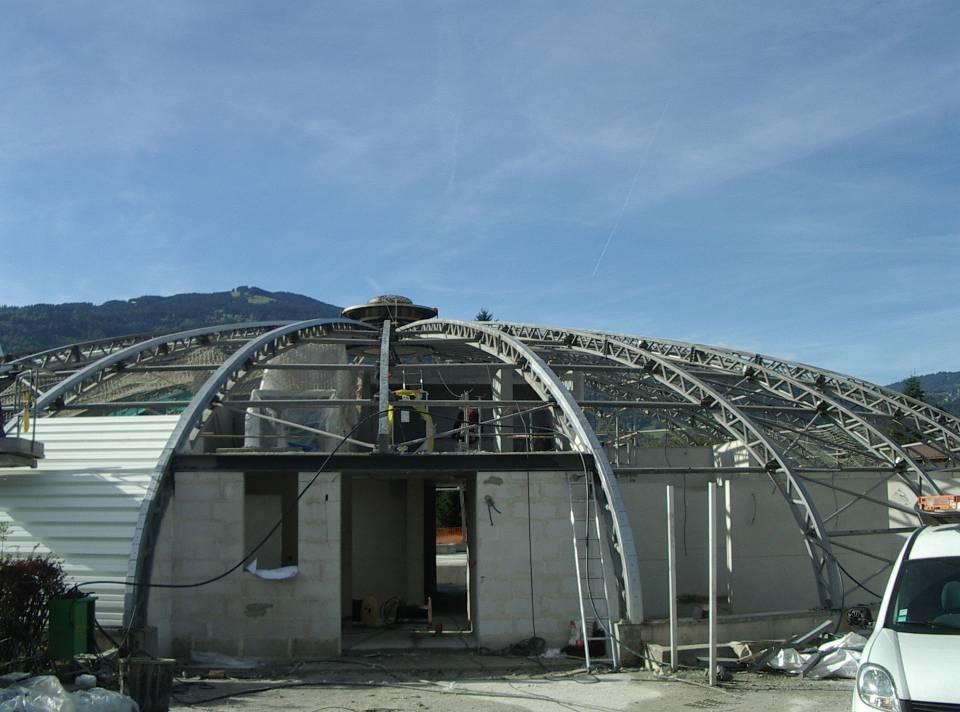Le chantier de rénovation de la piscine de Passy-Marlioz (cliché Bernard Théry, 2 octobre 2013)