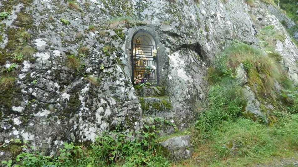 L'oratoire du « Chemin des Diligences », à l'arrivée aux Chavants (cliché Bernard Théry, 2014)