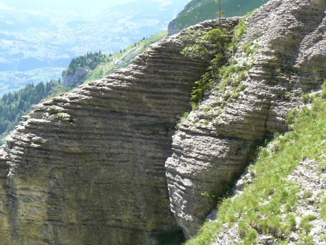 Couches sédimentaires du massif de Platé, à Passy (cliché Stéphane Théry)