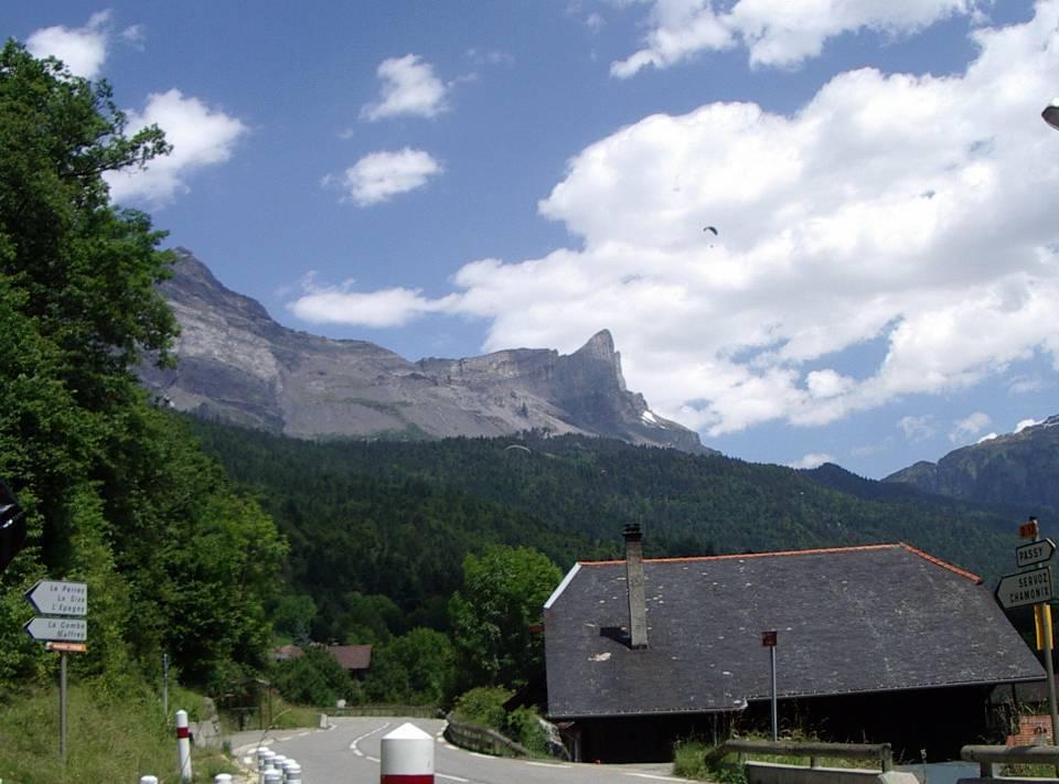 Le Dérochoir à Passy vu de la Motte (cliché Bernard Théry)