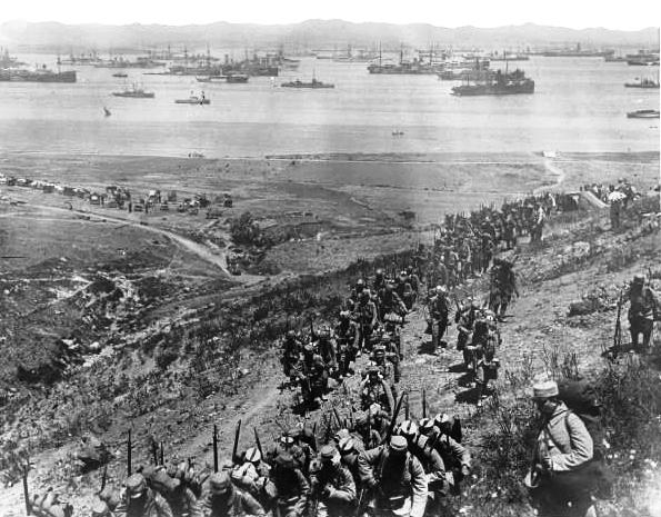 Débarquement des troupes (site cheminots.net)