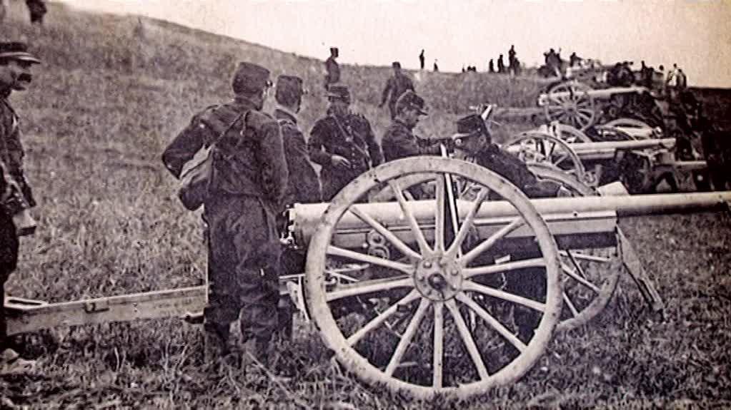 Batterie de canons de 75 (site france3-regions-champagne-ardenne : le canon de 75 au fort de la Pompelle)
