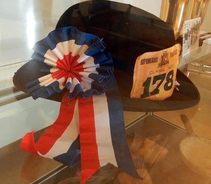 Chapeau du conseil de révision de la classe 1903, présenté à l'exposition de Passy, été 2015