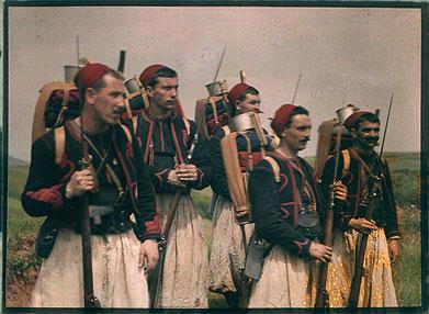 Des soldats du 2e Zouaves (site forum-auto)