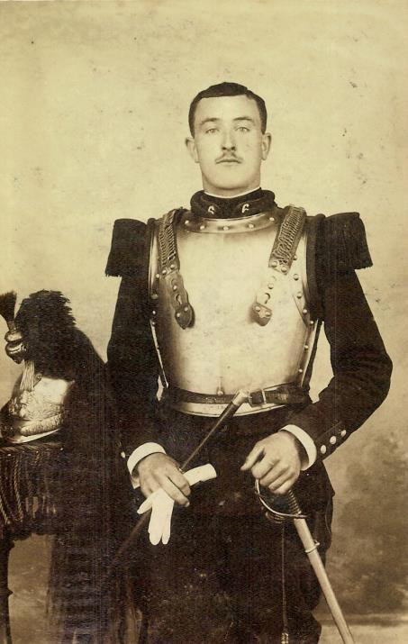 Léon Bibollet, en tenue de cuirassier, 1909 (Doc. Claude Bibollet, Passy)