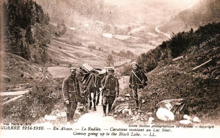 En Alsace, le Rudlin, caravane montant au lac Noir, en Alsace (site gallica BNF)