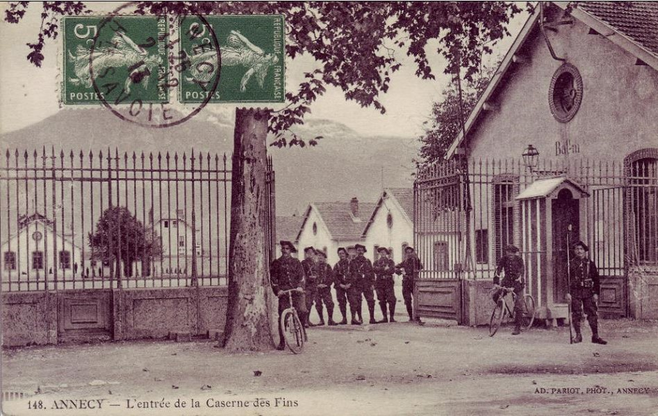 Caserne des Fins, chasseurs alpins d'Annecy (Internet, coll. Passions Delcampe)
