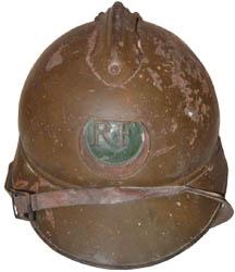 Casque Adrian des troupes d'Afrique : Maroc avec centre du croissant vert (site world-war-helmets.com)