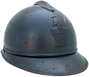 Casque Adrian du Génie : une cuirasse et pot-en-tête (site world-war-helmets.com)