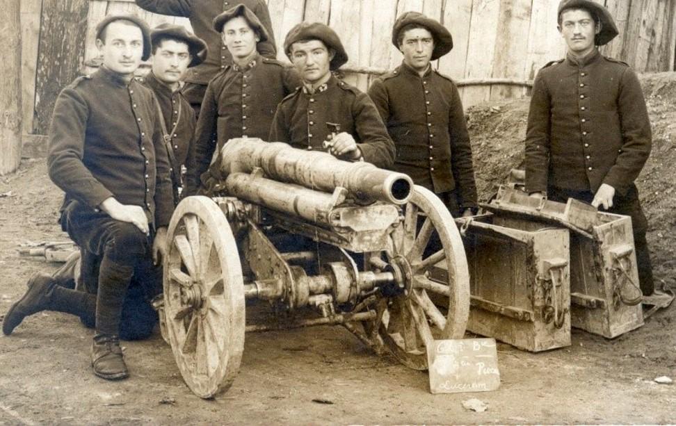 Au 2e Régiment d'Artillerie de Montagne (Nice), pendant la Guerre, à l'Instruction à Lucéram, Alpes-Maritimes (site pages14-18)