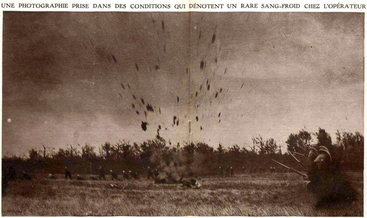 Dragons chargeant à pied sous le feu de l'artillerie allemande (gallica.bnf.fr ; site files.itslearning)