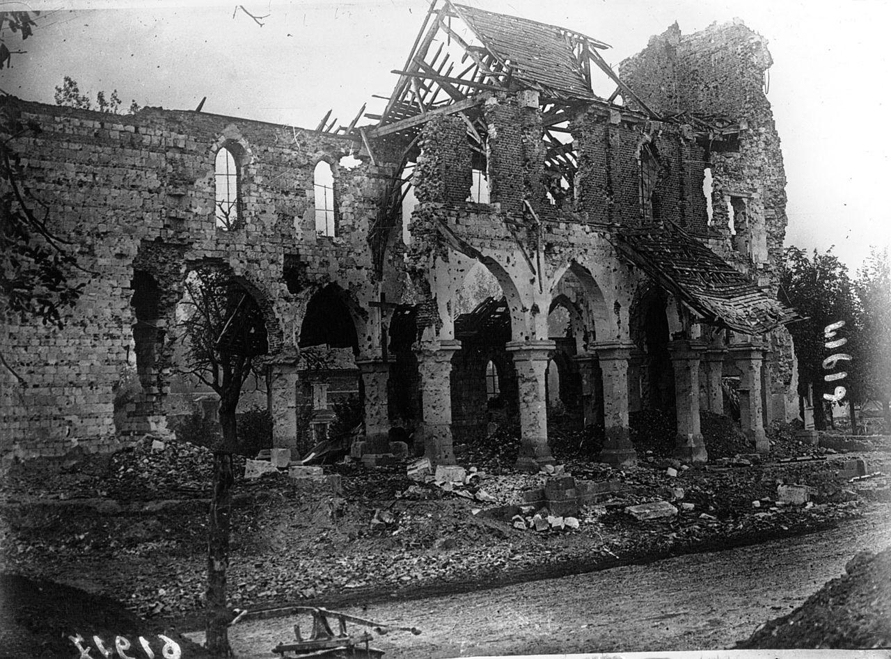 eglise_ Somme,_Frise,_1916