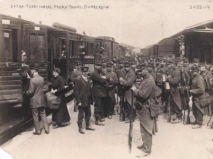Troupes françaises à Dunkerque en 1914 (site soldatdelagrandeguerre.wordpress.com)