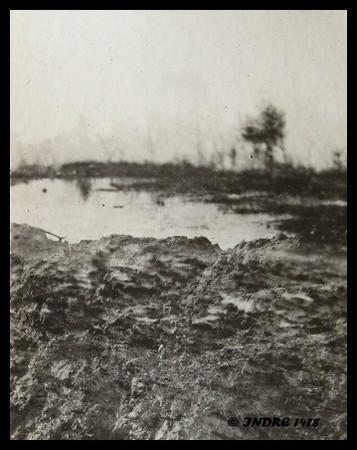 Une des visions que l'on pouvait alors avoir des tranchées du secteur de Zonnebeke, Belgique (site indre1418.canalblog.com)