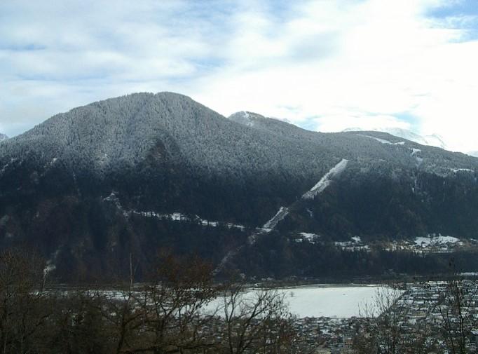 Le massif de Tête Noire et la nouvelle piste forestière EDF de Passy, 29 décembre 2013 (cliché Bernard Théry)