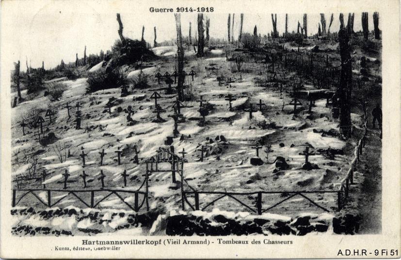 Tombeaux des chasseurs français à l'Hartmannswillerkopf ou Vieil Armand (site front-vosges-14-18.eu)