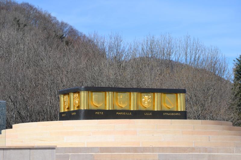 Mémorial national du Vieil Armand : autel de la patrie rénové de 2009 à 2013 (site pages14-18)
