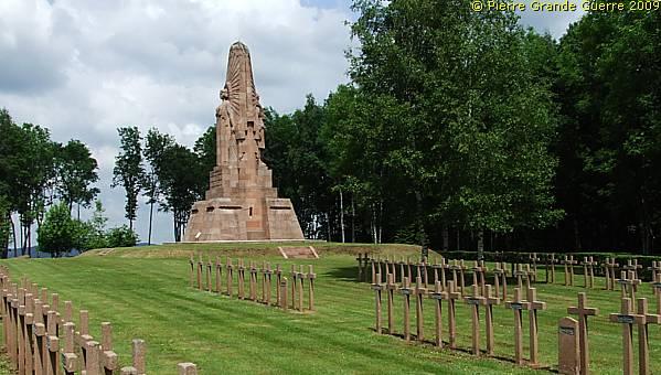 Nécropole nationale de La Fontenelle à Ban-de-Sapt (site pierreswesternfront.punt.nl)