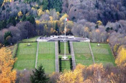 Vue aérienne de la nécropole nationale du Silberloch (site ca-fondationpaysdefrance.org)