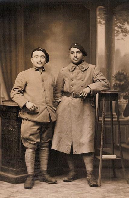 Pierre Perroud au 4e Génie (à gauche) et son frère Joseph du 97e RIA (Doc. Jean Perroud, archives familiales)