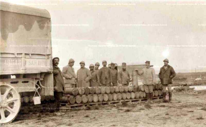 Parc à munition de Lemmes, à 100m de la voie sacrée, derrière Verdun (estimé fin juin 1916) ADHS (site pages14-18)